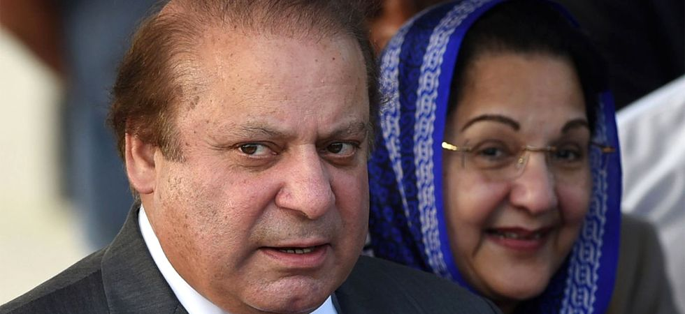 'Open your eyes, Kulsoom': Nawaz Sharif's last video with wife goes viral