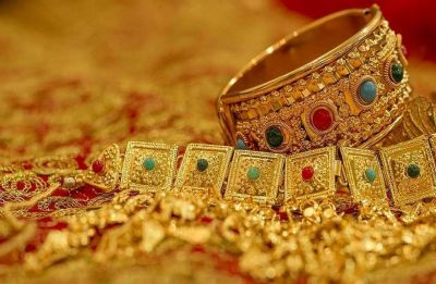 Gold drops Rs 75; silver falls by Rs 150