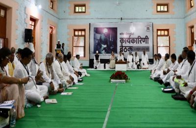 At CWC meeting, Congress vows 'second freedom struggle' against 'Modiraj'