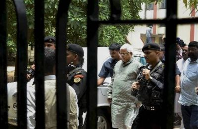 IRCTC Scam: Bail granted to Rabri Devi, Tejashwi Yadav; Lalu Yadav to appear in court on Nov 19