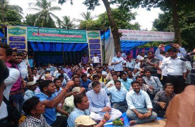 Odisha: Block grant teacher defer strike till November 30 after government assurance
