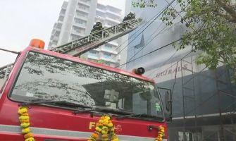 Massive fire at commercial building in Mumbai's Santacruz; rescue operations underway