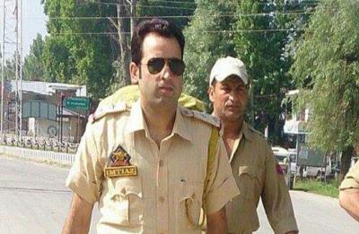 J-K: Slain sub-inspector Imtiyaz Ahmed Mir was desperate to meet parents, shaved off beard to dodge militants
