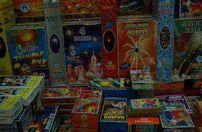 Delhi Police seizes 625 kg of firecrackers from Sadar Bazar
