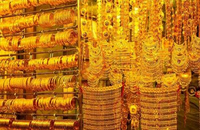 Gold glitters on Dhanteras despite high prices; sales up 15 per cent