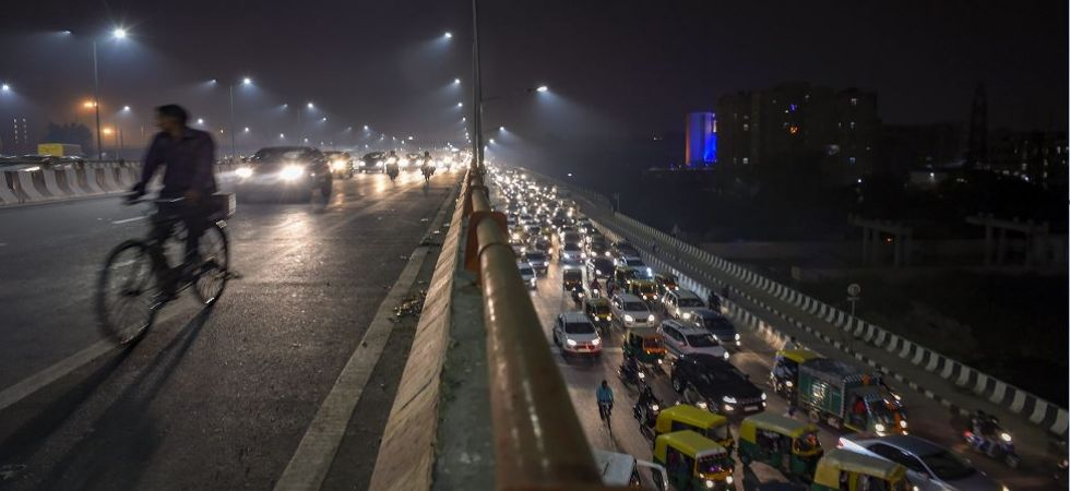 Delhi air pollution peaks again; AQI recorded in 'severe' category (Photo Source: PTI)