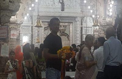 Kedarnath: Ahead of trailer launch, director Abhishek Kapoor prays at Shiv temple