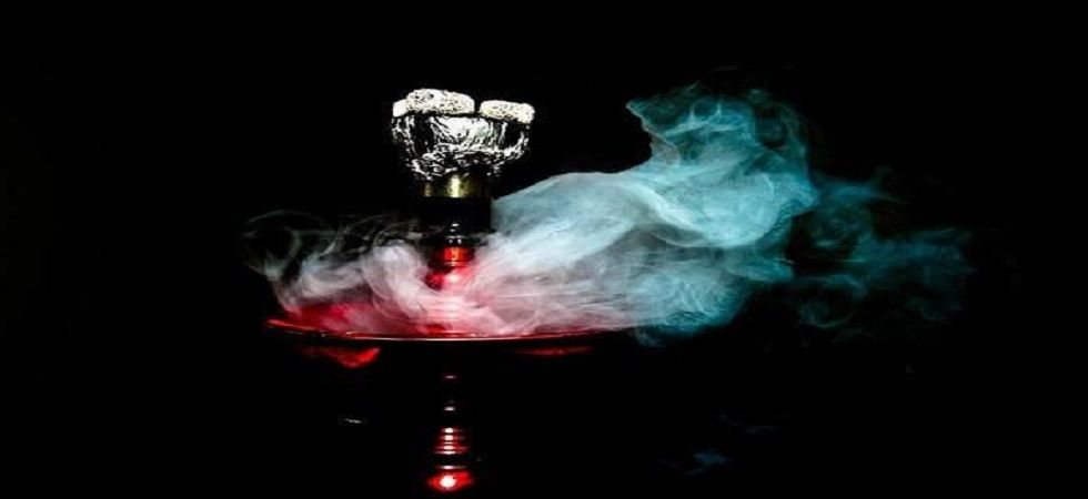 Smoking hookah can trigger hypertension and heart problems (Photo:Facebook)
