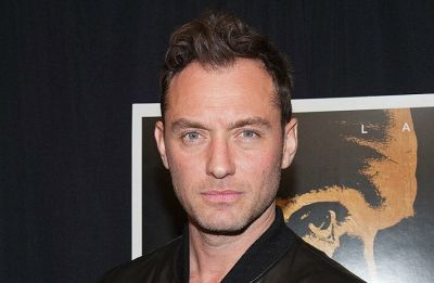 Being the 'beautiful young thing' worried Jude Law