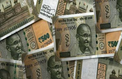 Rupee sheds 15 paise against US dollar in early trade