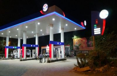 Petrol pump dealers to move court against Centre's decision to open 56,000 new fuel outlets