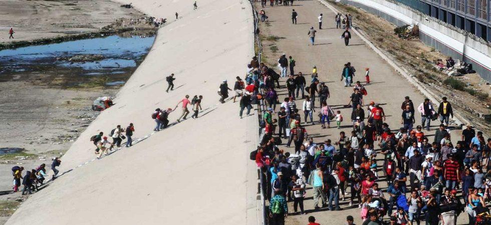 Caravan migrants announce hunger strike to demand asylum in US (Photo- Twitter)
