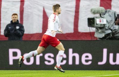 Borussia Dortmund extend lead in Bundesliga to seven points, Bayern Munich slip to fourth