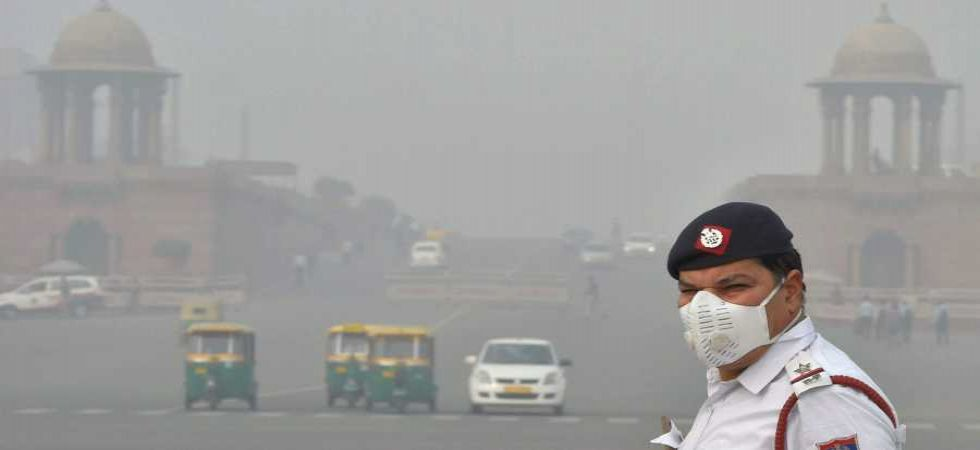 Delhi's air quality very poor; EPCA pulls up govt officials for using hired private diesel vehicles (PTI photo)