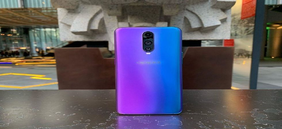 Key specifications of the smartphone are its triple rear camera set up and an edge-to-edge massive 6.4-inch full-HD+ display (Photo: Twitter@ForbesAsia)