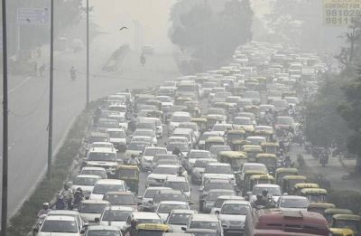 Delhi pollution remains 'severe' as light showers further deteriorate air quality