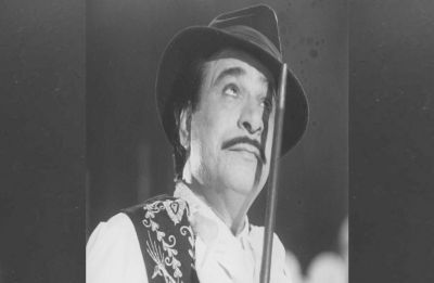 Bollywood mourns Kader Khan's demise, Amitabh Bachchan, Anupam Kher, others pay tributes