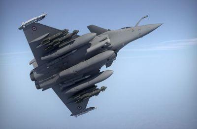 Rafale Deal: Congress members throw paper planes after Arun Jaitley accused Rahul Gandhi of lying in Lok Sabha