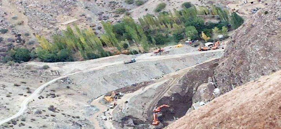 30 dead, 15 injured after gold mine collapsed in Afghanistan (Photo Source: TOLOnews)