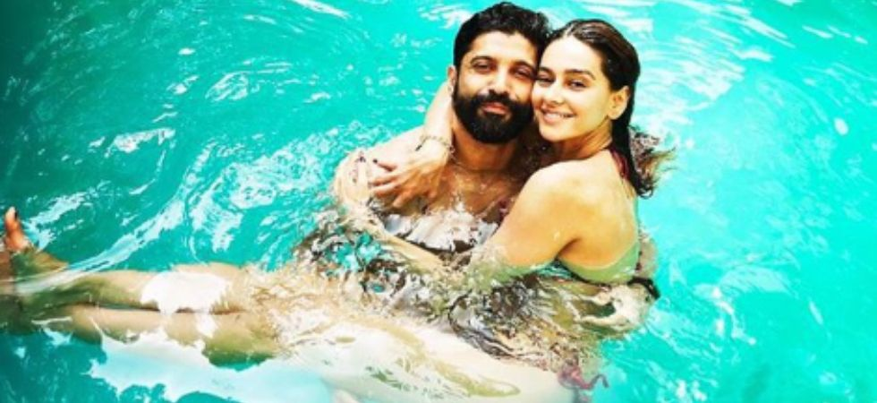 Farhan Akhtar indulges in PDA with girlfriend Shibani Dandekar in the pool./ Image: Instagram