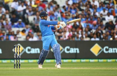 MS Dhoni continues great form, hits 70th fifty in tense game at Melbourne