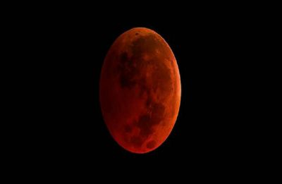 Get ready for spectacular treat when total lunar eclipse meets 'Supermoon'