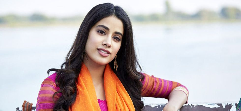 Janhvi Kapoor got mistaken by the photographers as Sara Ali Khan. / Image: file photo