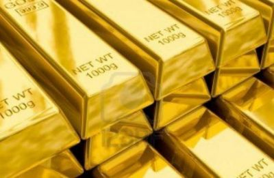 Gold slips Rs 70 to Rs 34,000 per 10 gram on muted demand