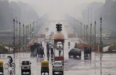 Delhi-NCR wakes up to nippy morning with overcast skies