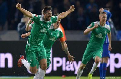 Claudio Pizaro, 40 years 136 days, becomes oldest goal-scorer in Bundesliga League
