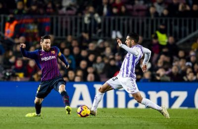 Lionel Messi helps Barcelona to win over Real Valladolid, Atletico Madrid stay in contention