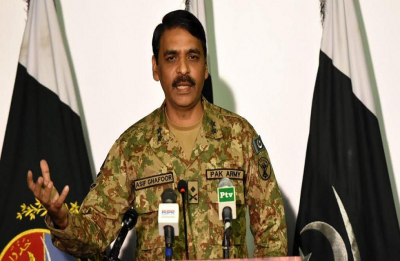Pakistan Army contradicts Imran Khan, says only one Indian pilot in its custody