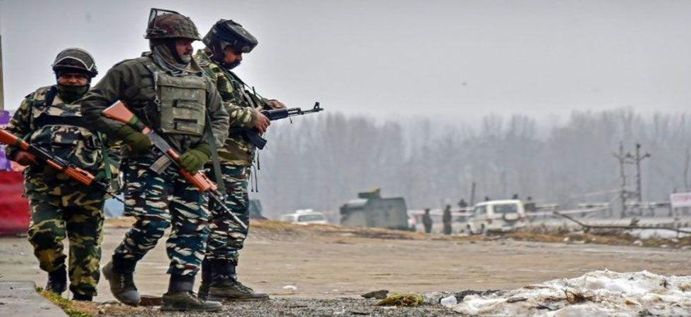 Pakistan Army violates ceasefire along LoC (Representational Image)