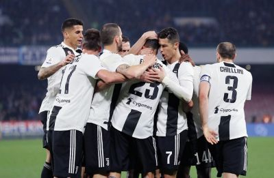 Juventus beat Napoli, close in on Serie A title after extending lead