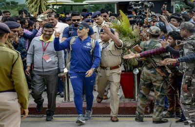 Watch: MS Dhoni takes Kedar Jadhav and Rishabh Pant for a ride in Hummer ahead on third ODI