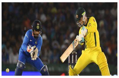 Peter Handscomb maiden century keeps Australia in hunt against India in Mohali