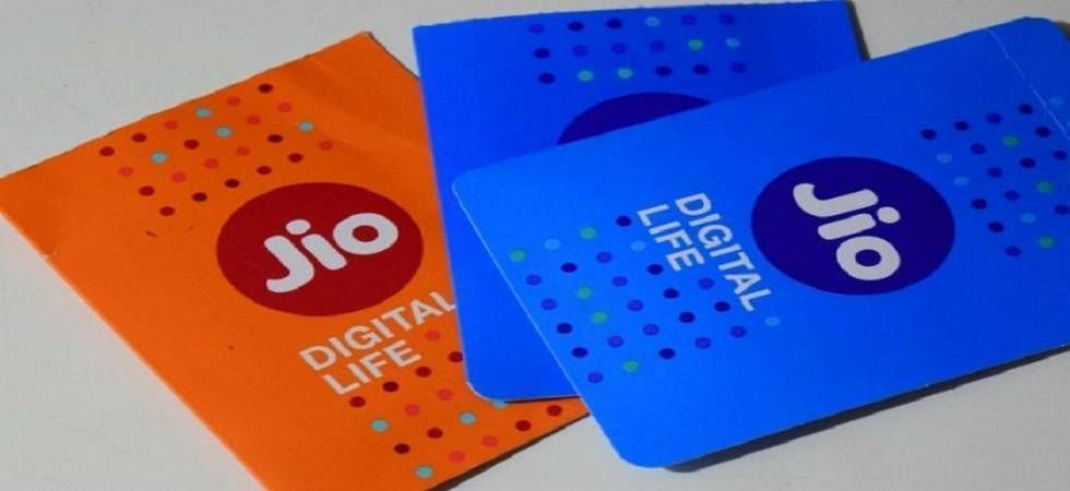 Jio offers 2GB free data per day, click here to know more (file photo)