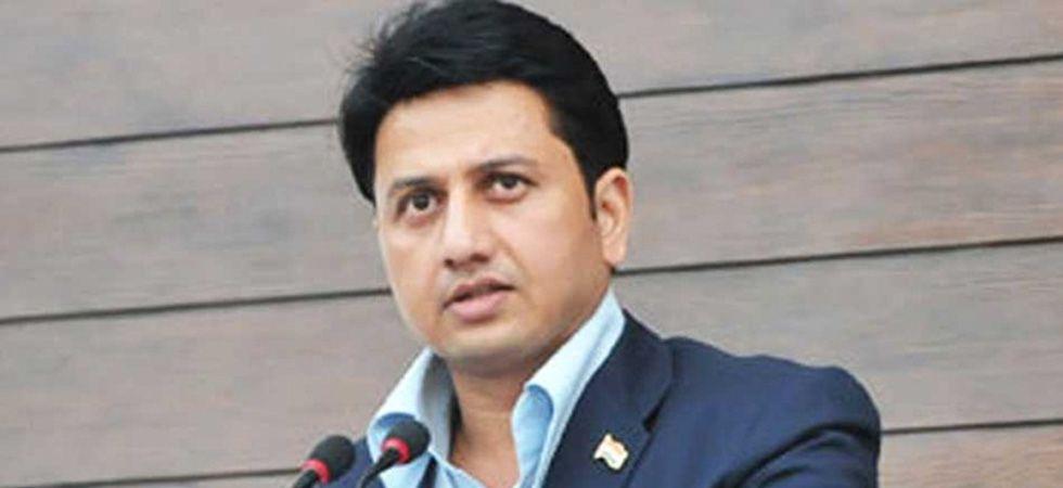 Former NCP MP Ranjitsinh Mohite Patil joins BJP