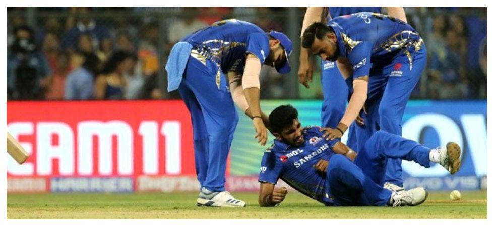 Jasprit Bumrah's shoulder injury in the IPL 2019 clash has kept the Indian cricket team management on tenterhooks. (Image credit: Twitter)