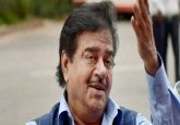'Masterstroke by master of situation': Shatrughan Sinha on Rahul Gandhi's minimum income scheme