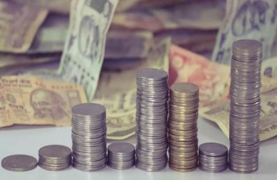 Rupee falls 10 paise to 68.98 against US dollar in early trade