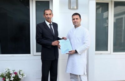 Surgical strikes hero Lt Gen Hooda submits national security report to Rahul Gandhi