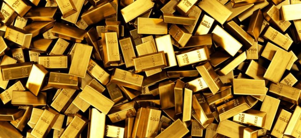Gold prices gain Rs 30 to Rs 32,850 per 10 gram, silver also slides