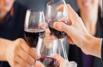 Beware! Heavy alcohol use may slow brain growth, says study