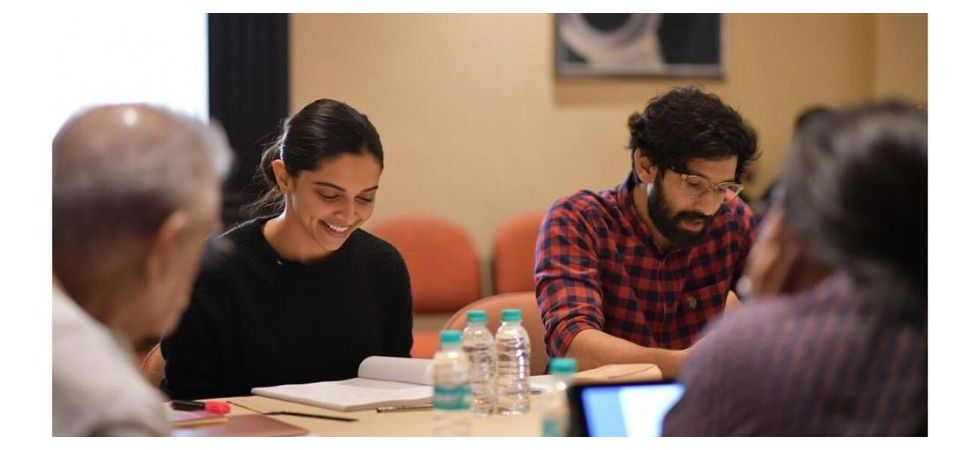 Deepika Padukone, Vikrant Massey onset video leaked (Photo: Instagram)