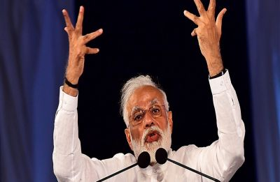 PM Modi mocks Congress' 'dream' of coming to power, says 'party's processor slow, software corrupt'