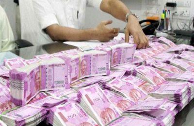 Hurriyat leader held with over Rs 14 lakh 'unaccounted' cash at Srinagar airport