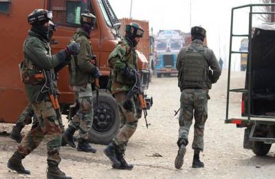 Terrorists hurl grenade at CRPF Battalion in Pulwama's Nowdal Tral, one jawan injured