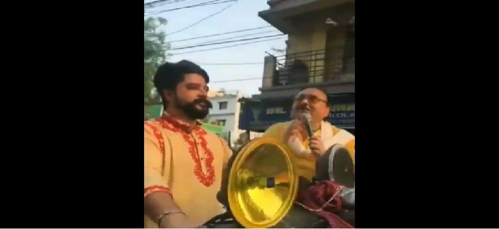 Noor also took part in a road show accompanied by Trinamool leader Madan Mitra. (Photo: Twiiter/Screengrab)