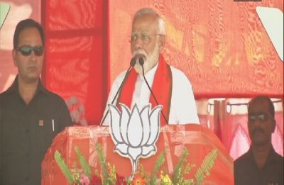 'Speedbreaker didi' lost sleep after 2 phases of polling, says PM Modi in West Bengal's Buniadpur